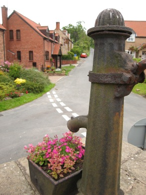 Village pump, Brantingham