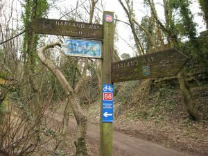 Harland Way signpost
